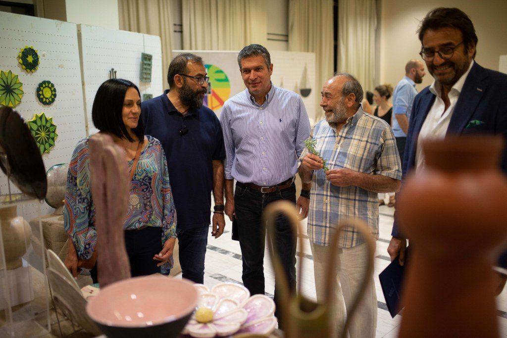 Μήνυμα στήριξης της καλλιτεχνικής δημιουργίας στο Μαρούσι κατά τα εγκαίνια της Έκθεσης Κεραμικής