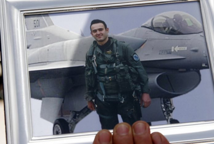 Κώστας Ηλιάκης: 14 χρόνια από τη δολοφονία του - Βίντεο από την εκπαίδευσή του